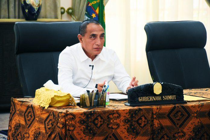 Gubernur Edy Rahmayadi saat memimpin rapat menggunakan video conference, beberapa waktu lalu. [Humas Sumut/Dokumen]